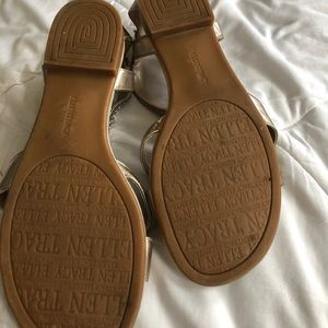 Ellen Tracy Shoes - Ellen Tracy gold sandals sz 9